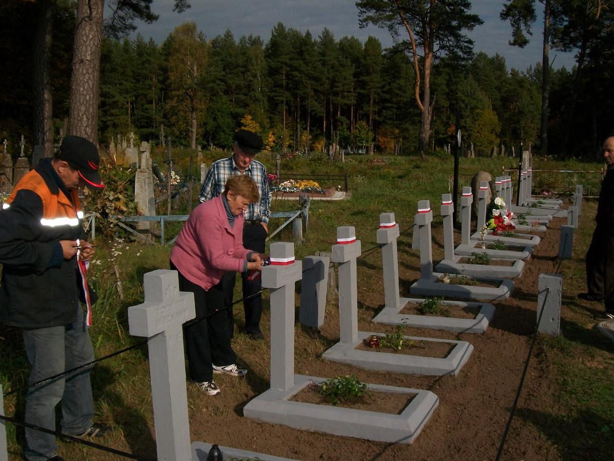 Kolejna akcja renowacji cmentarzy żołnierzy AK naBiałorusi.