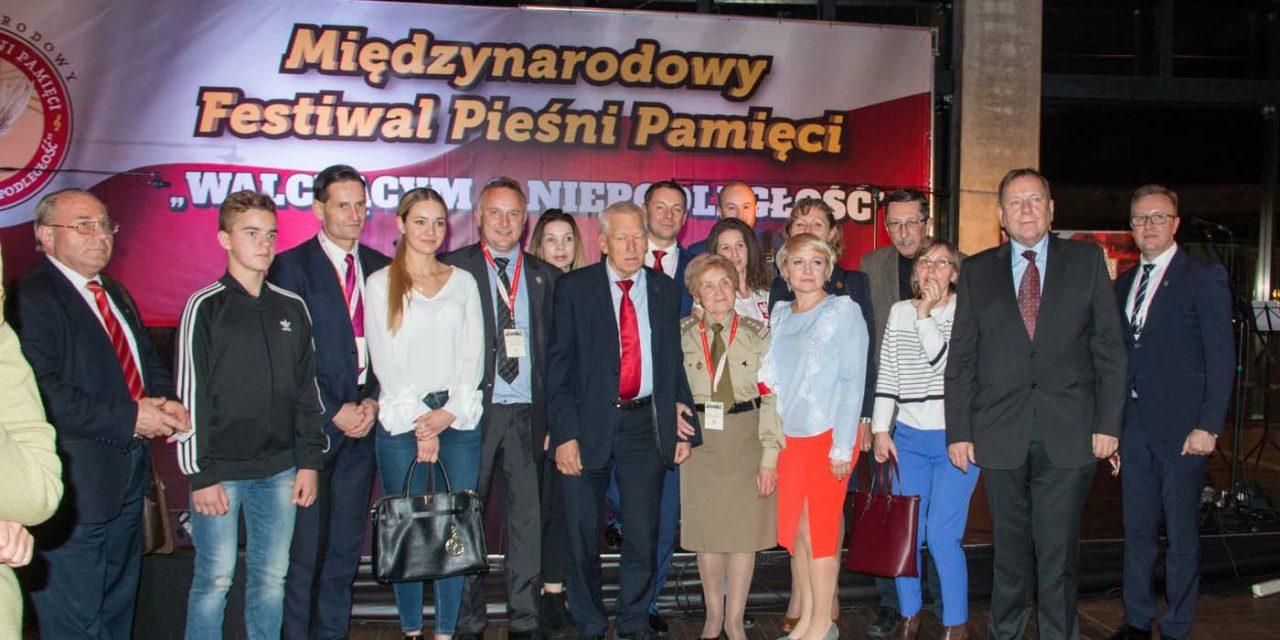 """IMiędzynarodowy Festiwal Pieśni Pamięci """"Walczącym oNiepodległość"""" – PGE Narodowy (Biznes Klub) 29.10.2017"""
