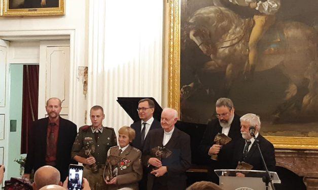 "Nagroda ""Semper Fidelis"" dla Pani płk Weroniki Sebastianowicz"