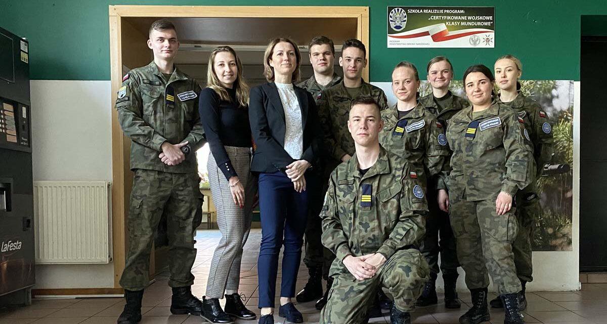 Podziękowania dla absolwentów ILO  PUL  im.111 Eskadry Myśliwskiej wWołominie